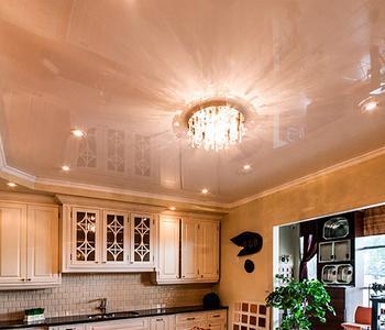 Потолок бежевый кухня цвет глянец
