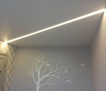 Натяжной потолок парящие лини