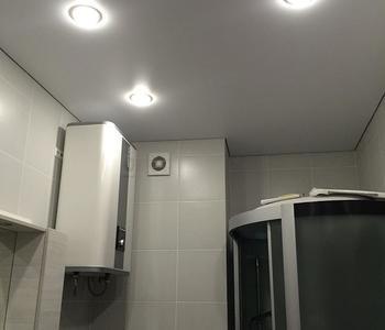 Тканевый потолок белый с подсветкой