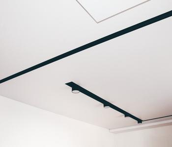 Натяжной потолок прихожая