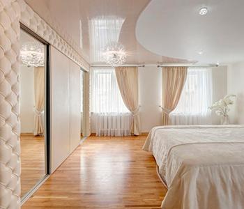 Потолок  спальня цвет глянец