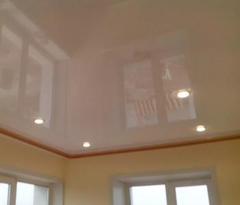 Потолок в детскую комнату бежевый