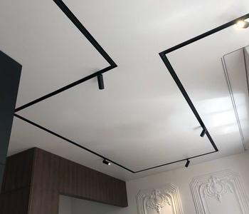 натяжной потолок глянцеый