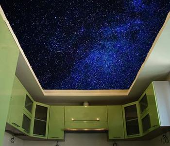 Натяжной потолок звёздное небо кухня