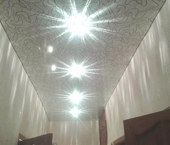 Фактурный потолок коридор