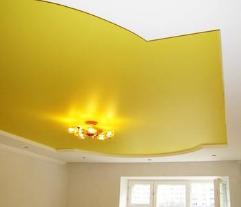 Натяжной потолок два уровня жёлтый