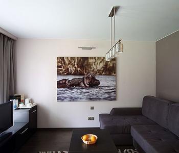 Тканевый потолок со светильником