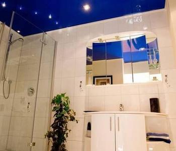 Потолок  в ваную комнату