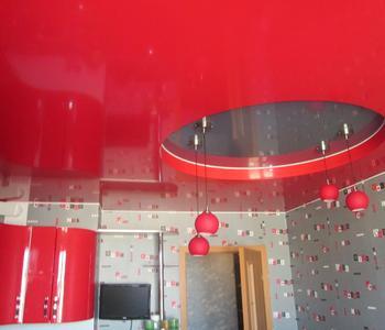 Потолок красный на кухню